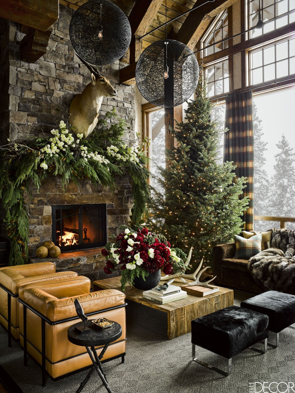 Montana Guest House All Decked Up in Christmas | Christmas decoration is already in the shop windows and everyone is getting into the Christmas spirit. #interiordesign #christmasdecor #homedecor #decoration #seasondecor #winterinspirations