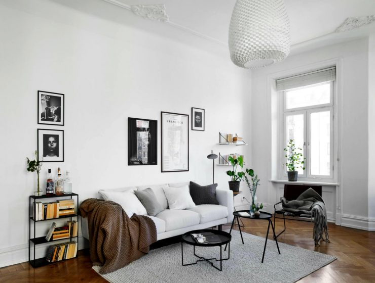 Outstanding Contemporary Living Room Designs To Inspire You | You're thinking of making some changes in your living room decor and don't know where to start? #livingroom #homeinteriors #interiordesign #homedecor #sideboards